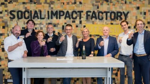 Groepsfoto van partners van de Social Impact Factory